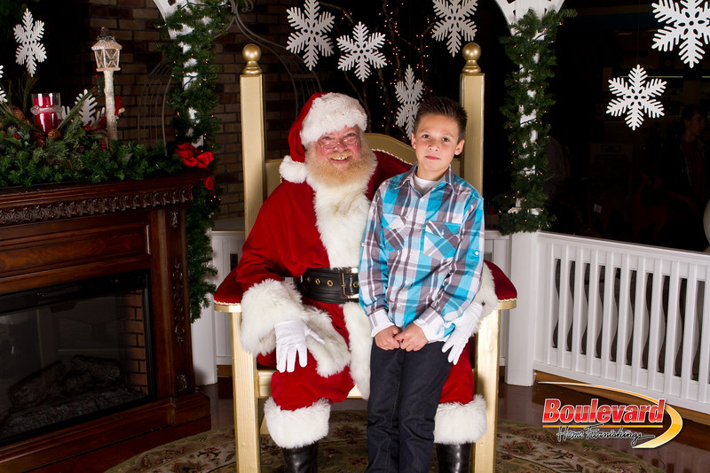 Santa Dec 15-136.jpg