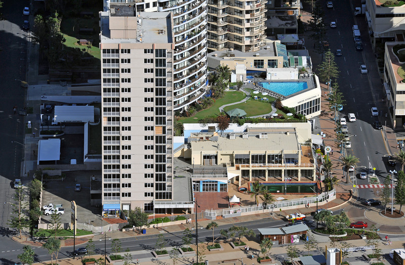 Iluka Beach Resort - High Reach Demolition & Top Down Demolition methodologies. Surfers Paradise, Gold Coast Australia 2014.