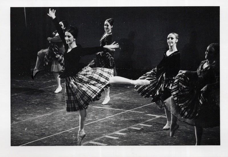 Dance_1071_a.jpg