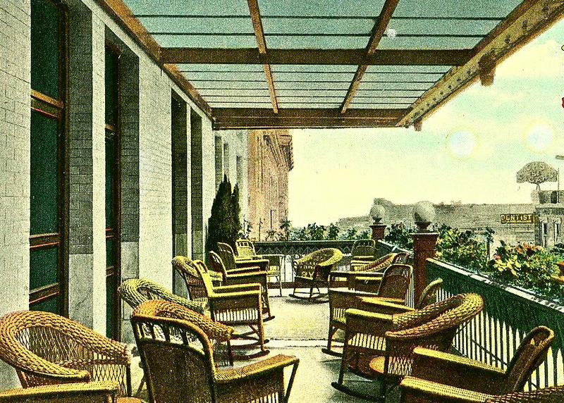 hotel balcony2.jpg
