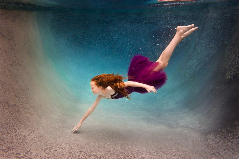 UnderwaterJeni1.jpg