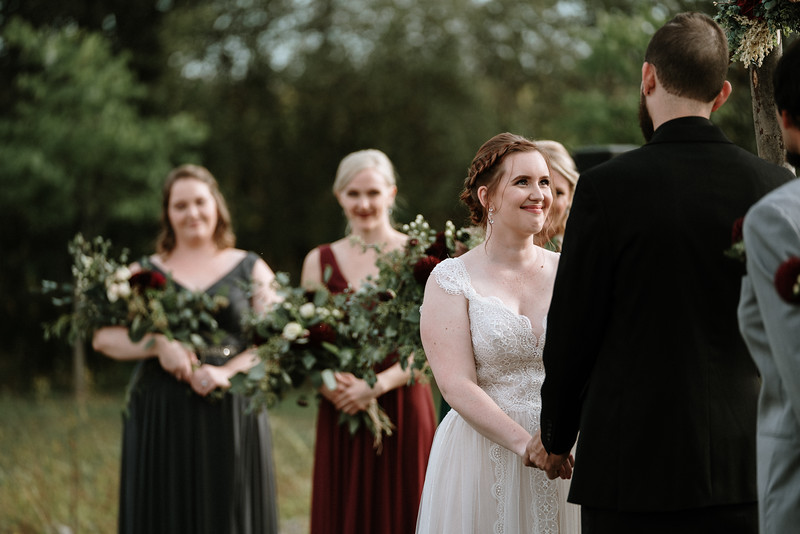 rustic_ohio__fall_barn_wedding-222.jpg
