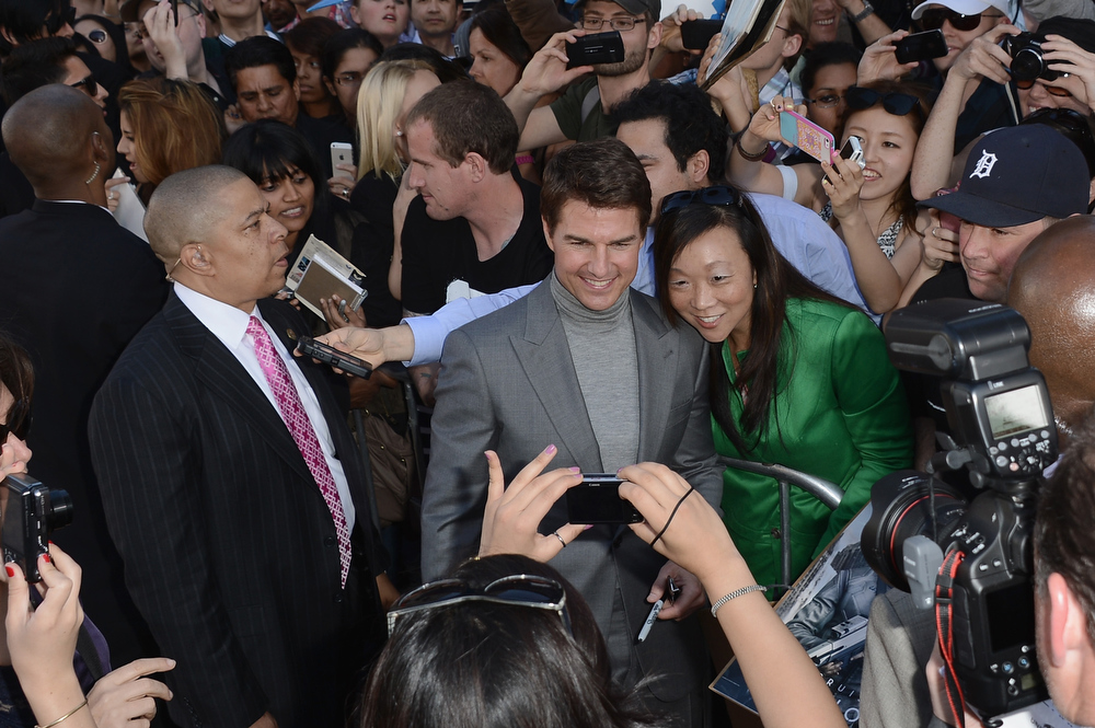 """. Actor Tom Cruise arrives at the premiere of Universal Pictures\' \""""Oblivion\"""" at Dolby Theatre on April 10, 2013 in Hollywood, California.  (Photo by Kevin Winter/Getty Images)"""