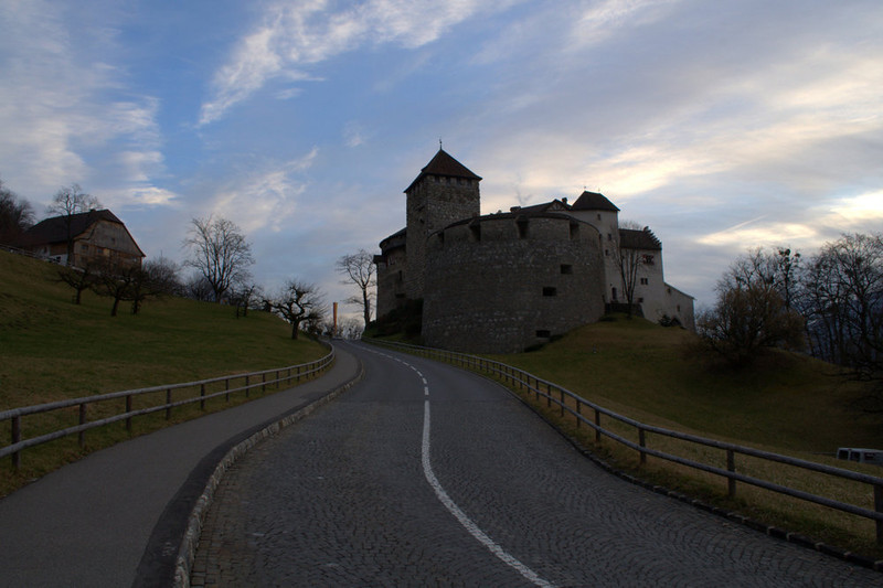 Liechtenstein Vaduz Castle and road.jpg