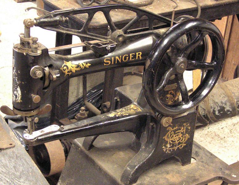D5-Shoemakers sewing machine.jpg