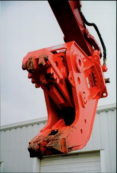 NPK U21J concrete pulverizer on Link-Belt excavator (19).JPG
