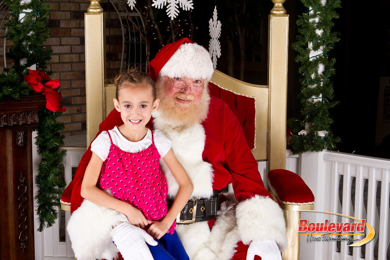 Santa Dec 8-118.jpg