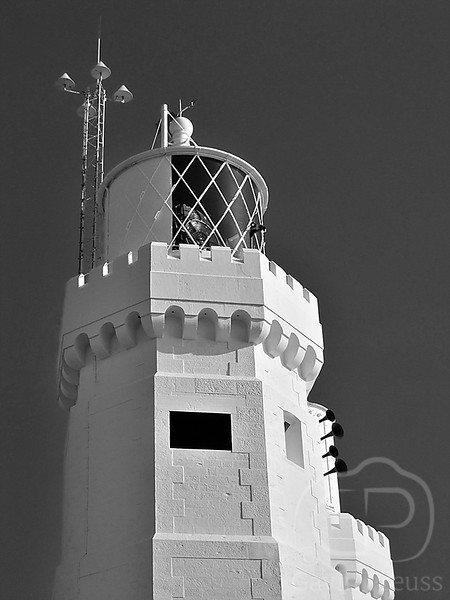 Lighthouse_on_Isle_of_Wight.jpg