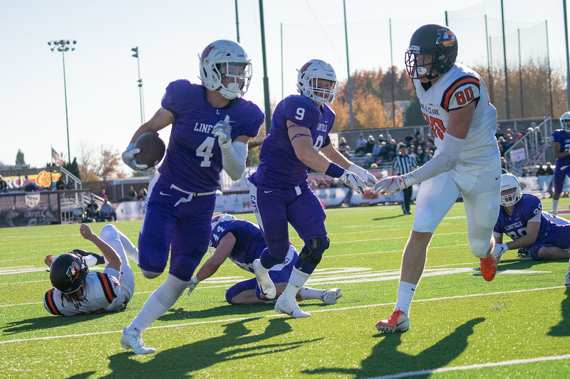 Linfield vs. Lewis & Clark