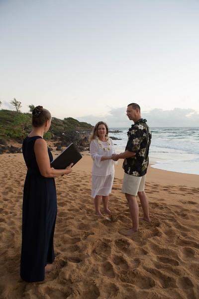 Kauai-sunrise-wedding-11.jpg