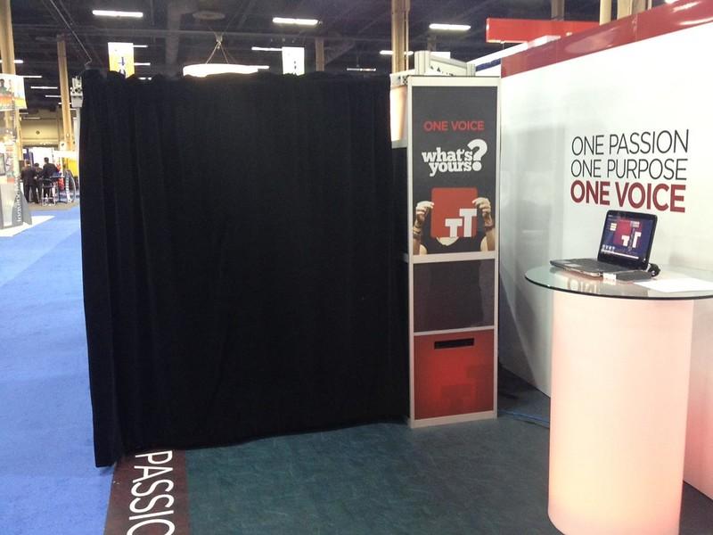 Tradeshow Front ShutterSkinz.jpg