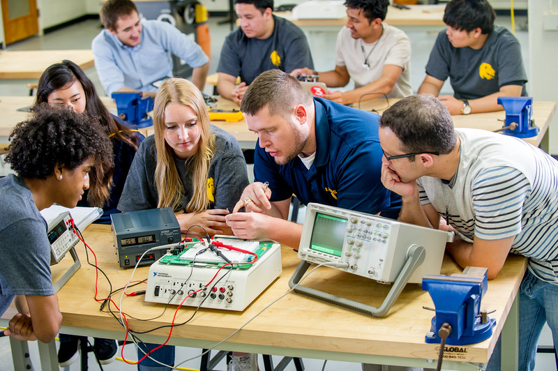 17339-Electrical Engineering-8218.jpg