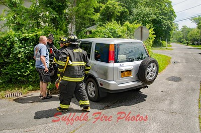 Mastic Beach MVA Monroe Dr. and  Forest Rd [6.21.16]