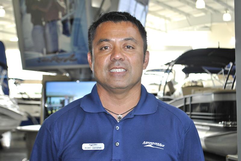 Romy Decena_DAL_Sales and Brokerage_headshot.JPG