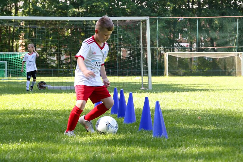 hsv_fussballschule-196_48047992333_o.jpg