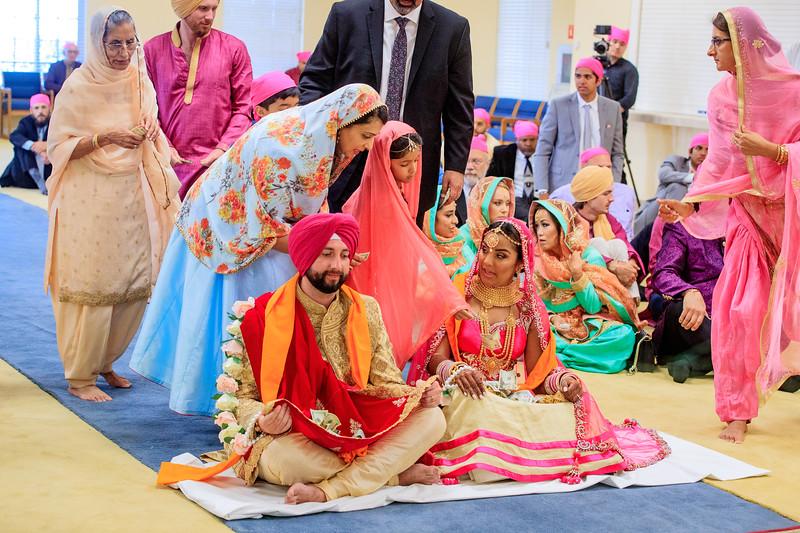 Neelam_and_Matt_Gurdwara_Wedding-1506.jpg