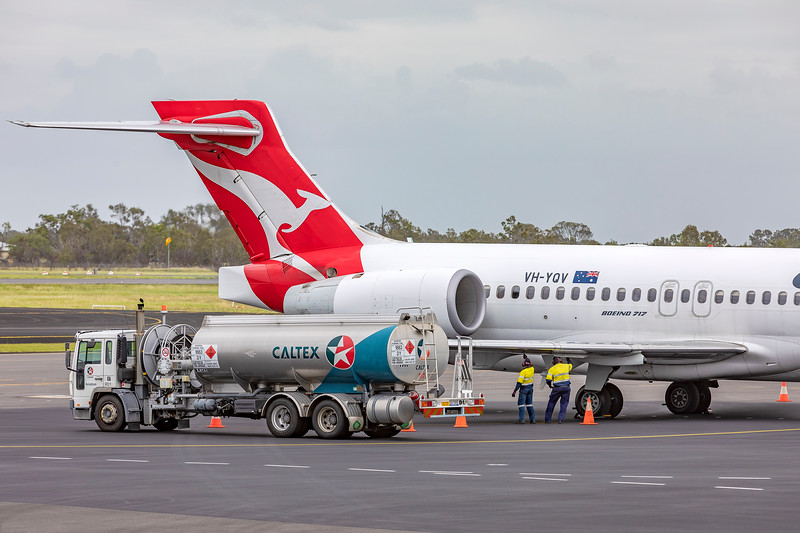 QANTAS Boeing 717-2BL at Rockhampton airport after diverting from Hamilton Island 07-02-2019.