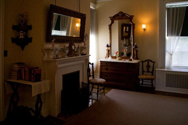 Franklin's Bedroom B.jpg