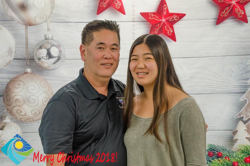 Christmas Photobooth 2018 Sunday-145.jpg