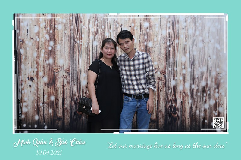 QC-wedding-instant-print-photobooth-Chup-hinh-lay-lien-in-anh-lay-ngay-Tiec-cuoi-WefieBox-Photobooth-Vietnam-cho-thue-photo-booth-044.jpg
