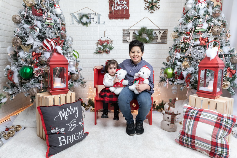 12.21.19 - Fernanda's Christmas Photo Session 2019 - -2.jpg