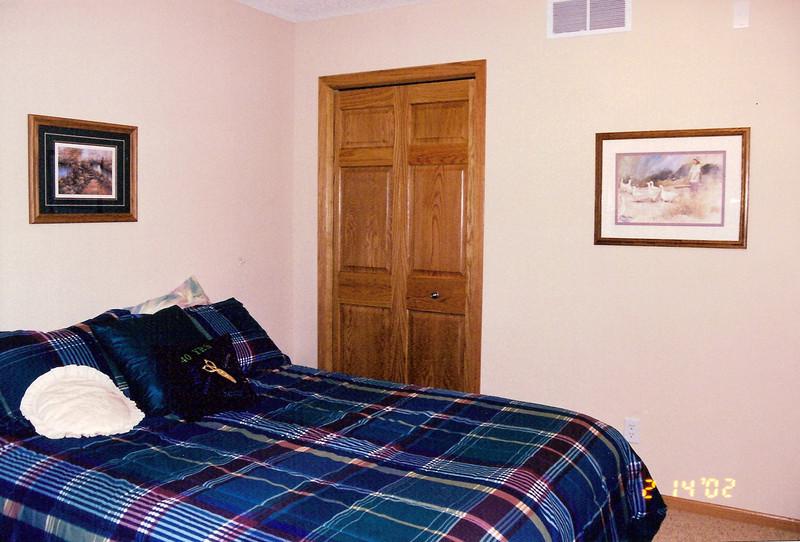 Front - guest - bedroom