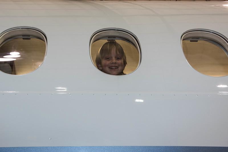 Cub-Scouts-airplane-3-7733.jpg