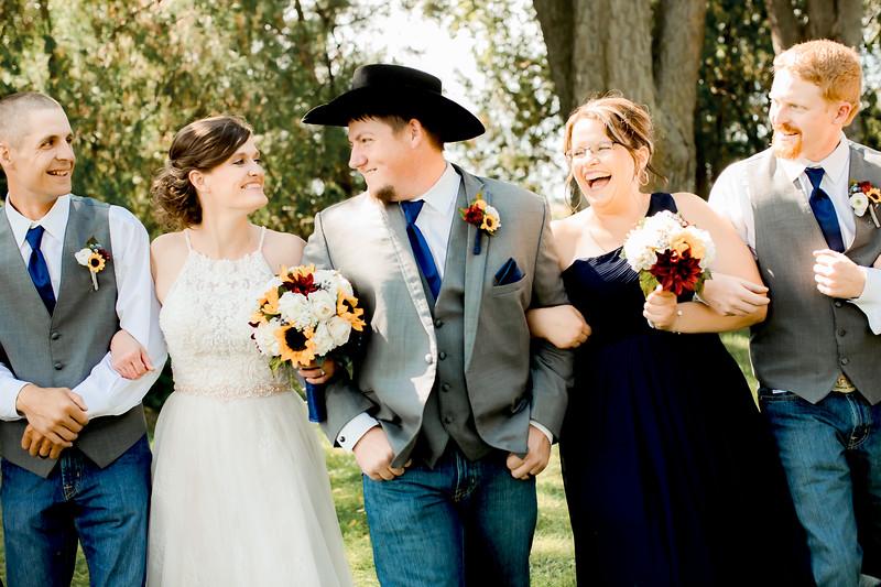 PORTRAITS // WEDDING PARTY // TREE ROW
