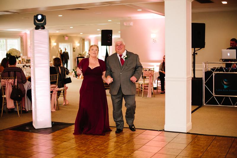 amie_and_adam_edgewood_golf_club_pa_wedding_image-782.jpg