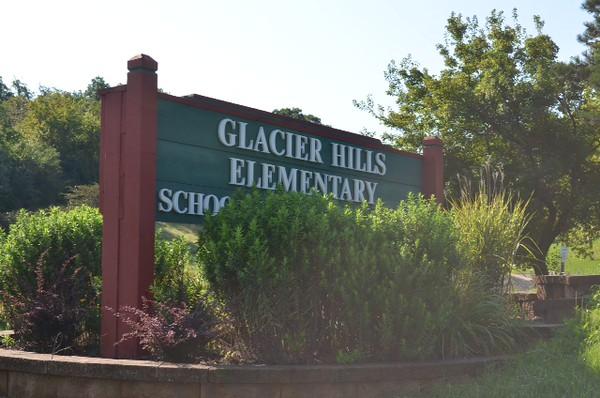 Glacier Hills sign.JPG