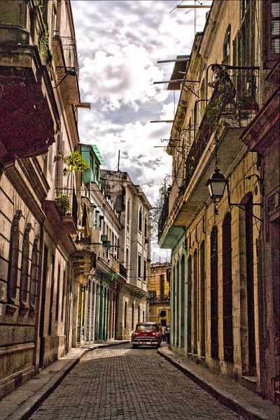 Cuba Havana red car 9479.jpg