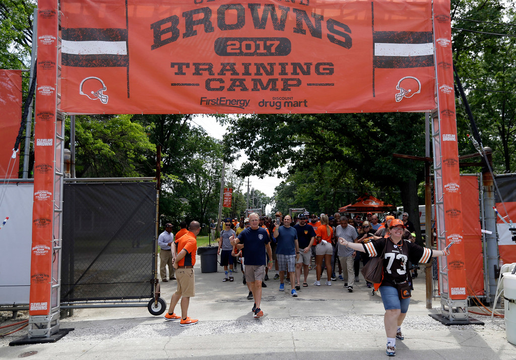 . Cleveland Browns fans enter the NFL football team\'s training camp facility before practice, Thursday, July 27, 2017, in Berea, Ohio. (AP Photo/Tony Dejak)