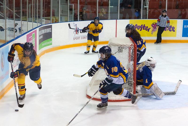 20130310 QWHockeyvsUBC 406.jpg