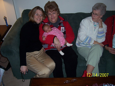 2007 December - Braelyn meets Granny