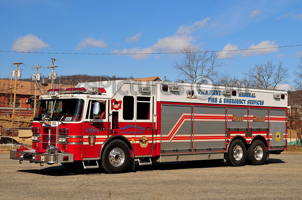 US MILITARY BASE FIRE APPARATUS