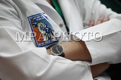 Эмч нар хугацаагүй ажил хаялтад нэгдэхээ илэрхийллээ