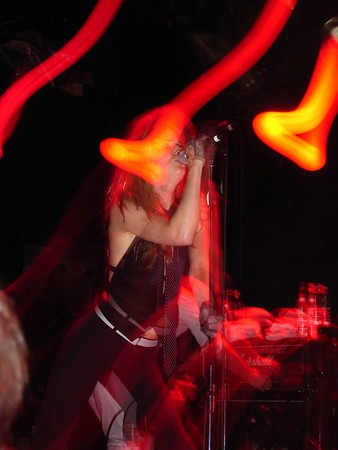Juliette & the Licks @ the Bowery 05-28-05