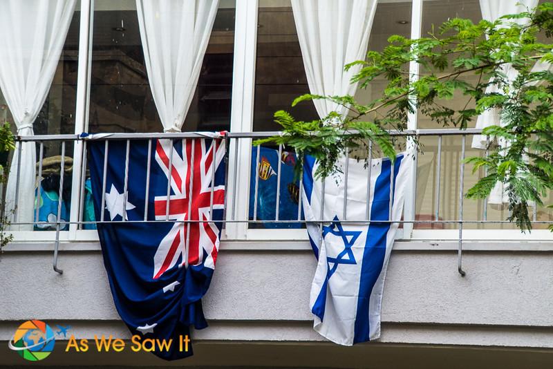 Flags along Borochov