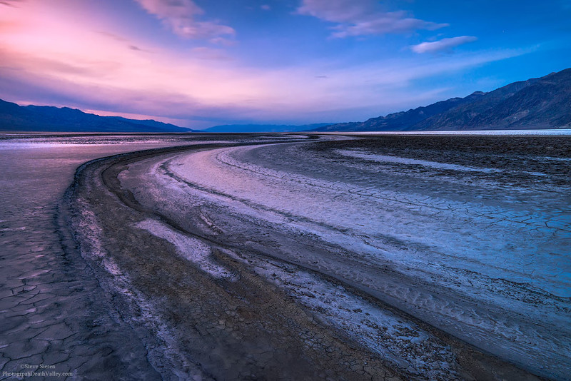 Death_Valley_Salt_Flat_River_Bed_5598.jpg
