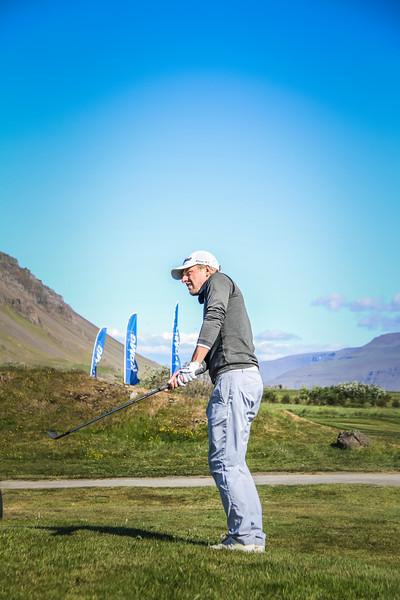 Rúnar Arnórsson, GK, vippar hér við 9. flöt á Garðavelli á Akranesi,  Mynd/seth@golf.is