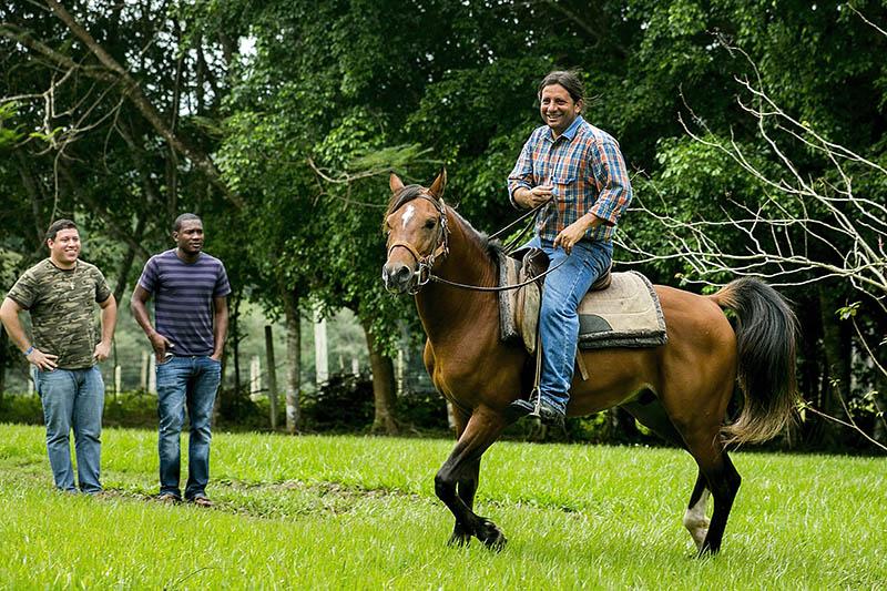 Xunantunich-Belize-horesback-riding-6.jpg