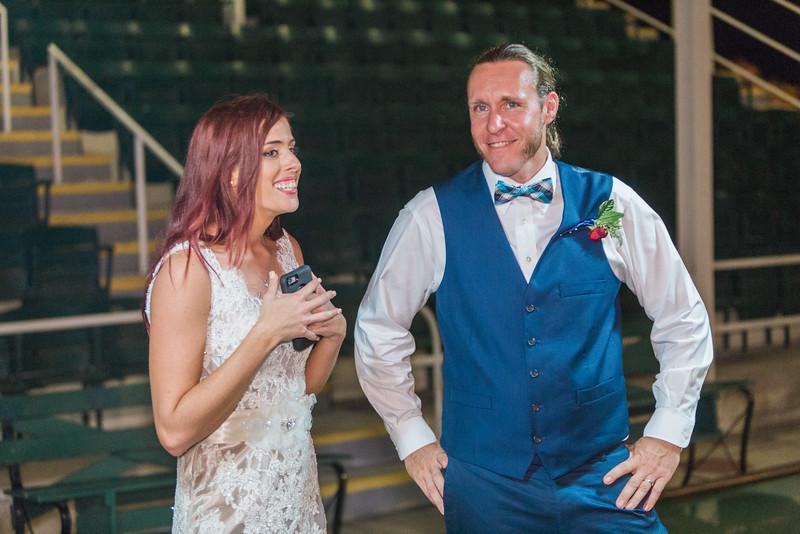 ELP1015 Tara &Phill St Pete Shuffleboard Club wedding reception 640.jpg
