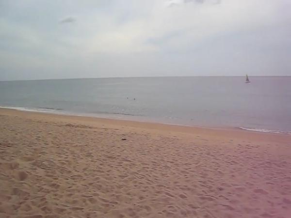 hotel_beach.avi