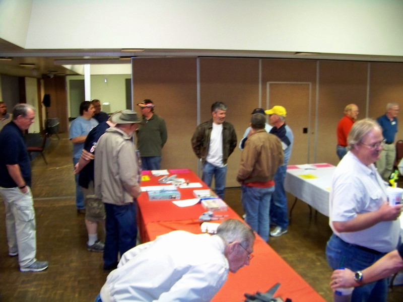 Albuquerque Scale Modelers meeting, 04 Oct 13, UNM Continuing Education