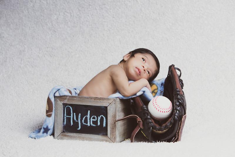 baby-ayden-new-born-portrait_0029.jpg