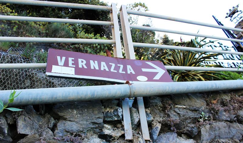 Italy-Cinque-Terre-Hiking-Blue-Path-Trail-01.JPG