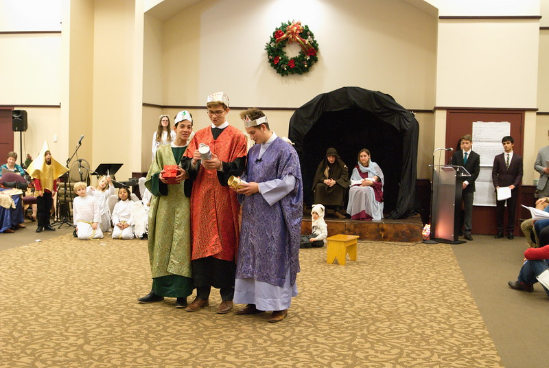 2017-12-17-Christmas-Pageant_231.jpg