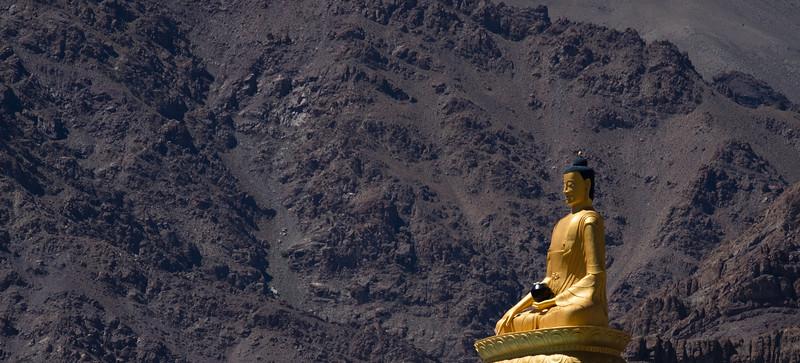 130-2016 Ladakh HHDL Thiksey FULL size from Fuji 5 star-330.jpg
