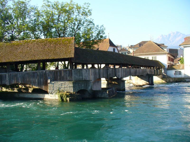 029_Luzern_Spreuerbrucke_A_covered_wooden_bridge.jpg