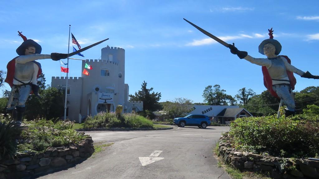 Casa Basso Westhampton Pirates